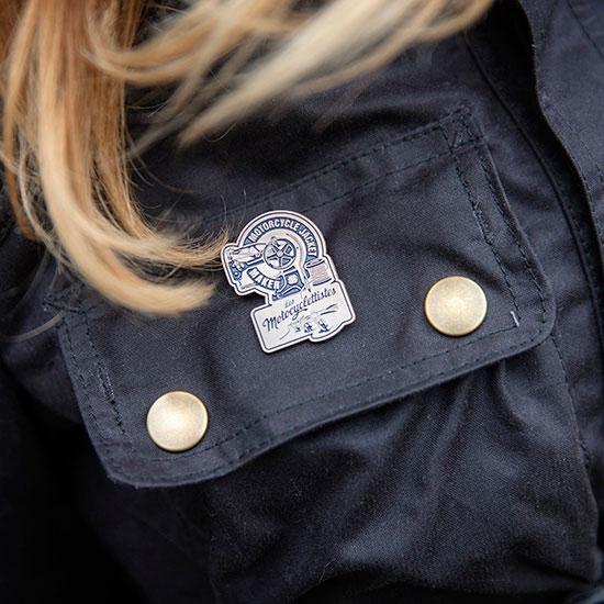 Détail de la veste de femme 1962 de Zoé David - Histoire veste de femme 1962 Les Motocyclettistes