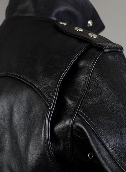 Blouson noir deluxe - Détail épaule - Les Motocyclettistes